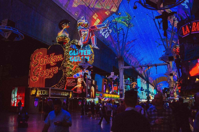 Vegas 24 casino Fantasino Tankstellenverkäuferin